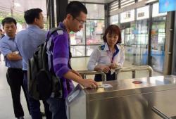 Buýt Nhanh BRT Hà Nội Bắt Đầu Sử Dụng Vé Điện Tử Thông Minh