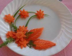 Bài thực hành Tỉa Hoa bằng cà rốt, dưa chuột của lớp đầu bếp tại dạy nghề Thanh Xuân