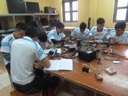 Nghề sửa chữa điện tử - Tuy cũ nhưng không lỗi thời