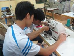 Bài học thực hành ngành sửa chữa máy may công nghiệp ngày 1/12/2017