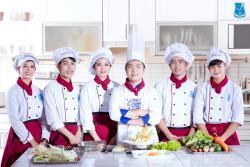 Nghệ Thuật Cắt Tỉa - Trang Trí Ẩm Thực Việt Nam