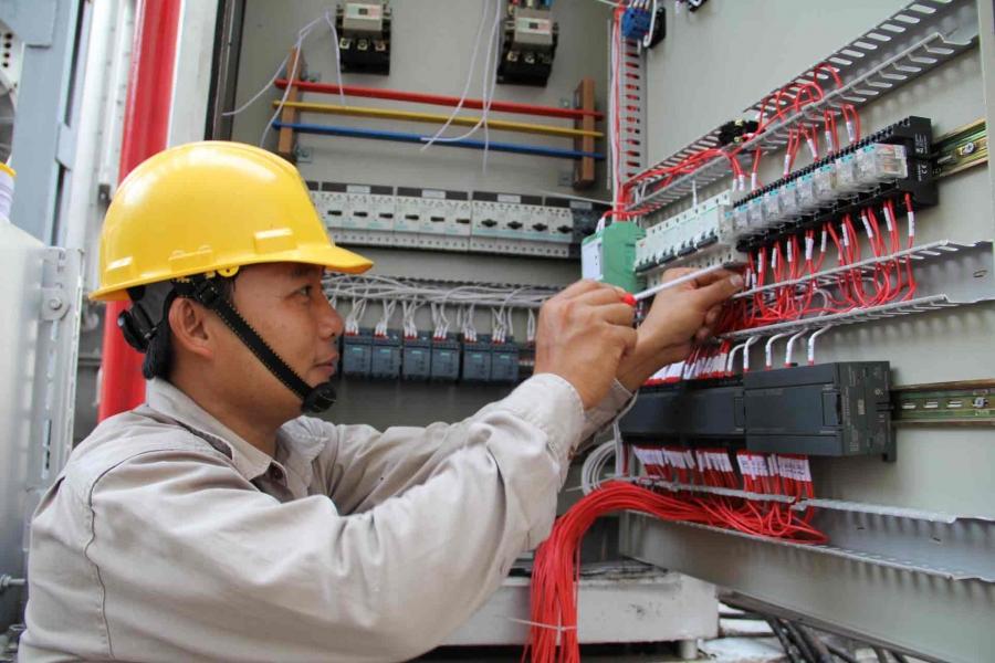 Học điện công nghiệp