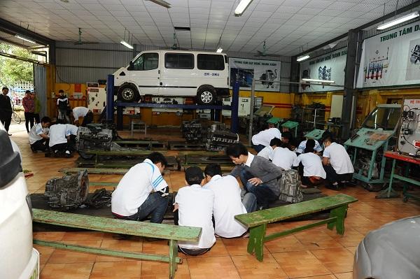 Học nghề sửa chữa ô tô