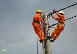 Nỗi nhọc nhằn của nghề sửa chữa điện công nghiệp