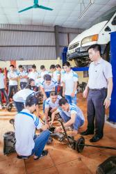Có nên học nghề sửa chữa ô tô không?