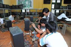 Những ưu điểm của lớp dạy sửa chữa điện tử tại trung tâm dạy nghề Thanh Xuân