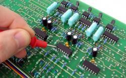 9 Câu hỏi phổ biến nhất về học nghề sửa chữa điện tử