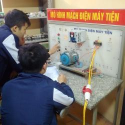 Thực hành cài đặt trên máy biến tần LS - Dạy nghề Thanh Xuân