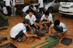 Bài học thực hành của lớp sửa chữa Gầm Máy oto ngày 23/11/2017
