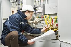 Rộng cửa với những người theo học nghề điện công nghiệp