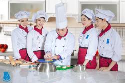 Các Lý Do Nên Yêu 1 Cô Nàng Đầu bếp